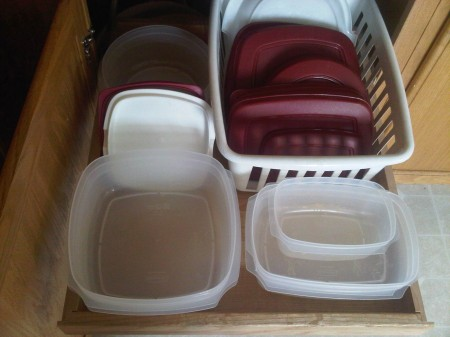 How to Organize your Plastic Storage Containers
